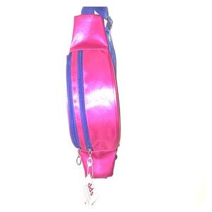 New Jane and Berry fanny pack In magenta festival